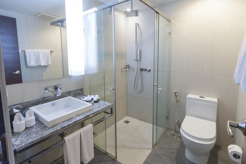 D corer et am nager une petite salle de bain homebyme for Decorer une petite salle de bain