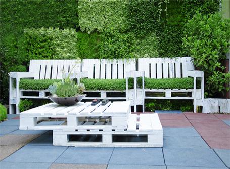 DIY : des meubles de jardin en palettes | HomeByMe